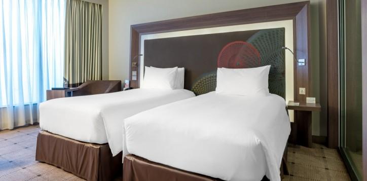 rooms-deluxe-twin_1920x1080-2-2